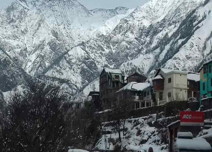 हिमाचल प्रदेश में फिर बर्फबारी का दौर